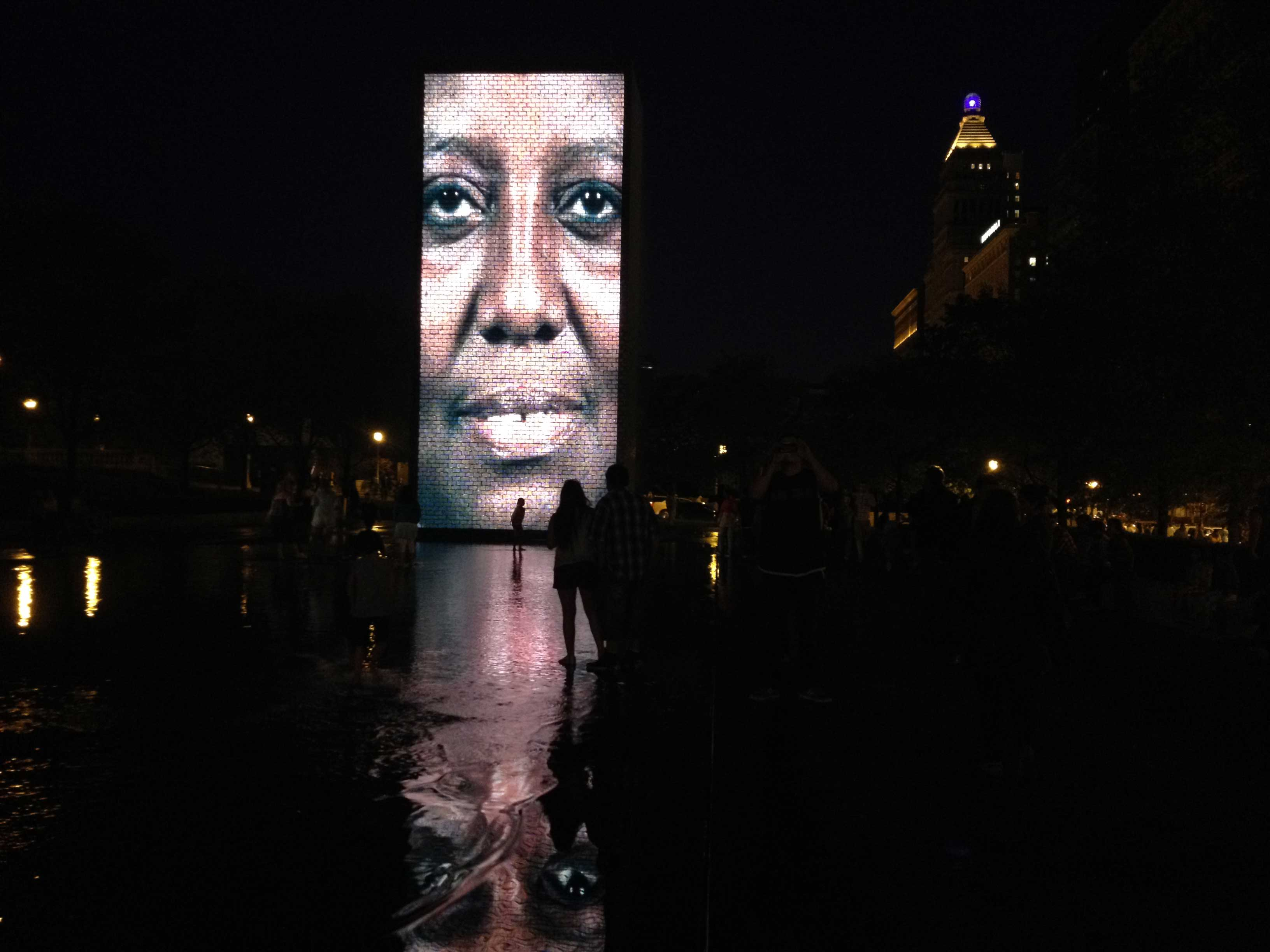 crown-fountain_perto-do-feijão