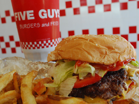 Crédito foto: http://www.downtowntempe.com/go/five-guys-burgers-and-fries