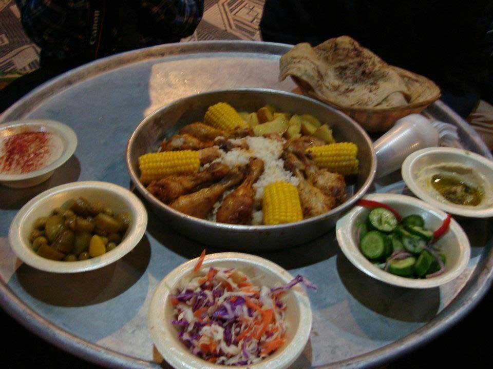 24.-Comida-na-tenda-beduína