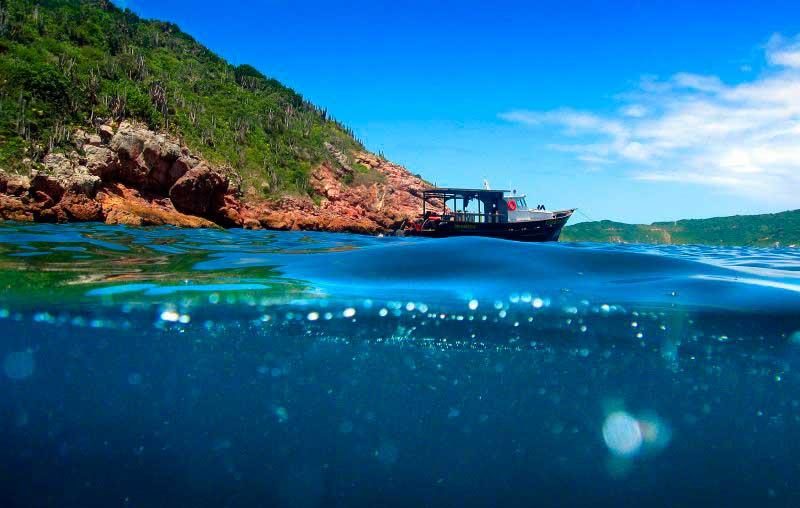 Cabo Frio/ Crédito foto: http://www.gazetadopovo.com.br/viver-bem/turismo/azul-igual-so-no-caribe/