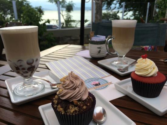FairyLand Cafe &Cupcakeria/ Crédito foto: http://www.tripadvisor.com.br/LocationPhotoDirectLink-g303576-d3874976-i123352062-FairyLand_Cafe_Cupcakeria-Florianopolis_State_of_Santa_Catarina.html