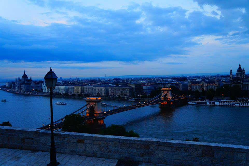 Chain Bridge vista do Buda Castle