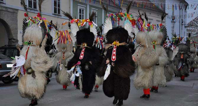Crédito foto: http://www.rodjes-macrales.be/rodjes/events/event/55e-carnaval-de-ptuj-et-de-sostanj/
