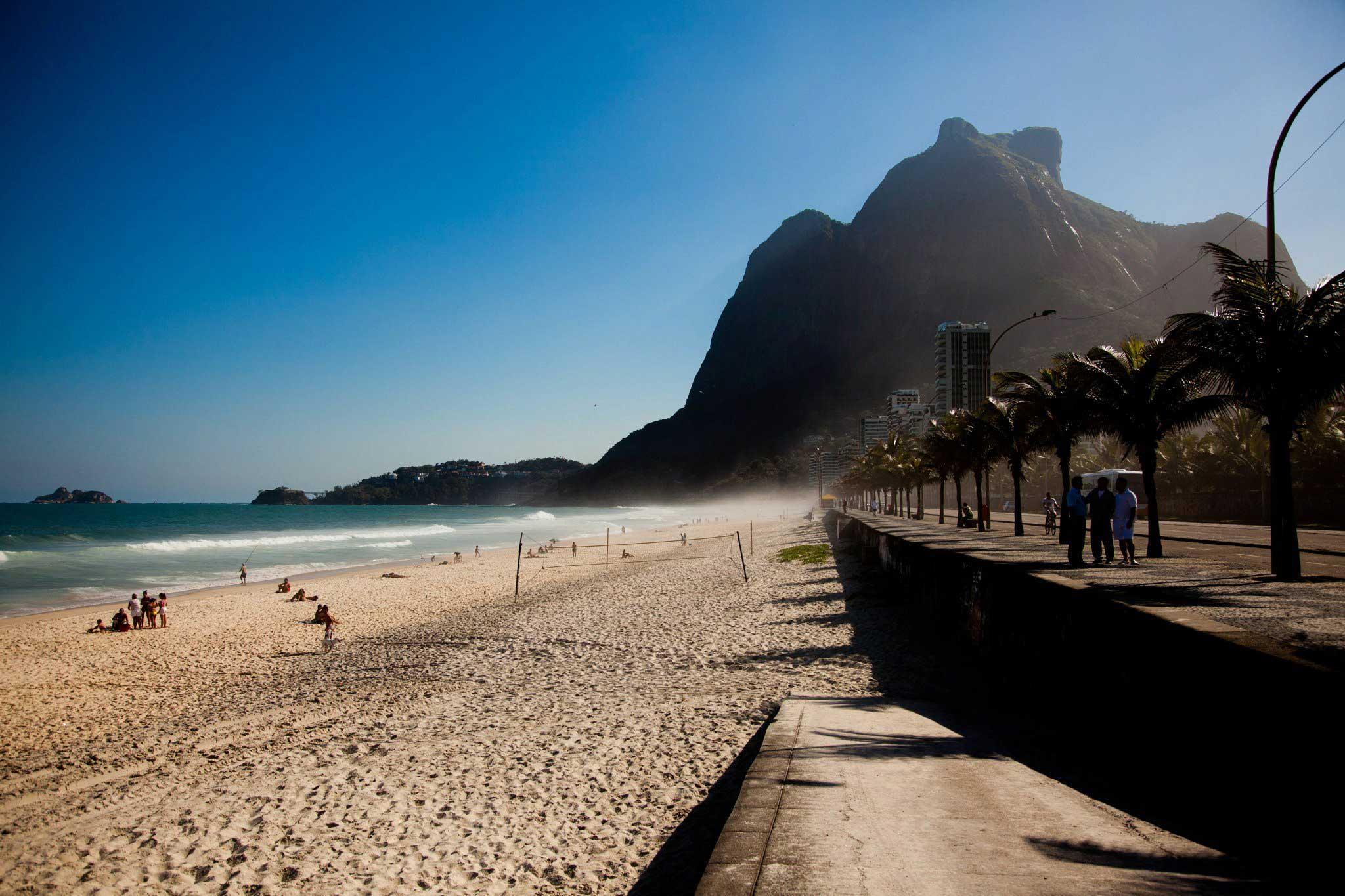 Praia de São Conrado/ Crédito foto: https://pepesourio.wordpress.com/2011/08/30/sao-conrado/