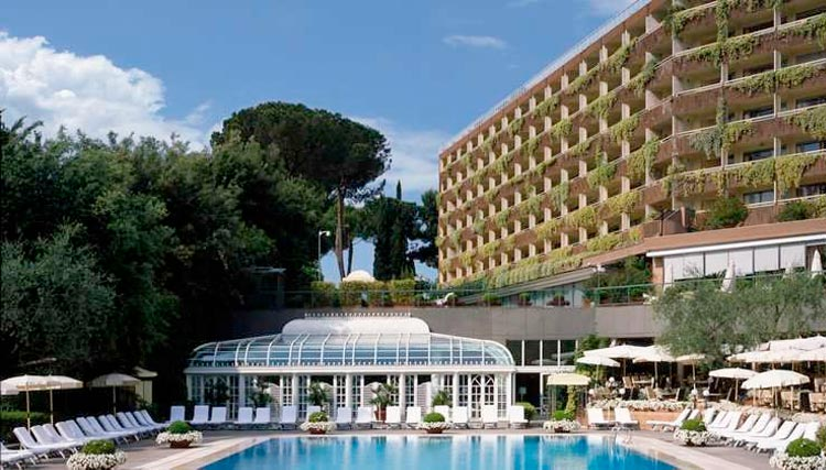 Crédito foto: http://www.azureazure.com/travel/rome-cavalieri-hotel