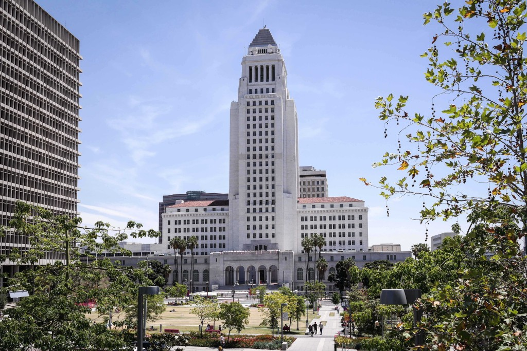 Crédito foto: https://commons.wikimedia.org/wiki/File:Los_Angeles_City_Hall_20.jpg