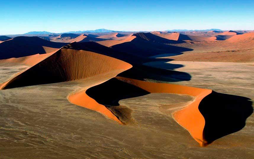 Crédito foto: http://jornalggn.com.br/blog/luisnassif/o-deserto-da-namibia-em-fotos