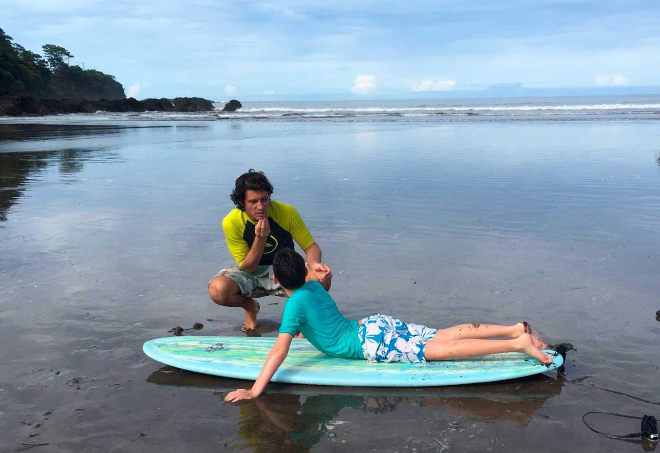 Um sopro da vibe de surf com o menino Rafa, da família Noya