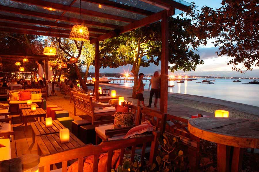 Crédito foto: http://portodabarrabuzios.com.br/bar-anexo-praia-buzios/
