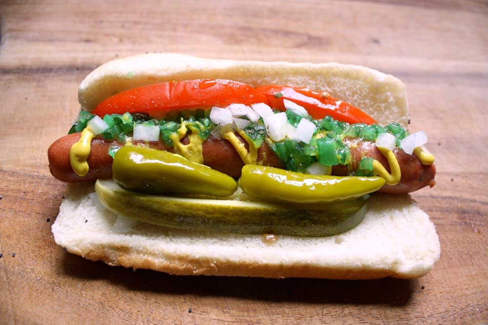 Crédito foto: http://www.thepauperedchef.com/2009/07/how-to-make-a-chicago-style-hot-dog.html