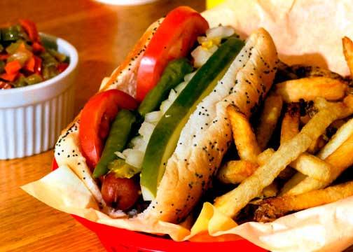 Crédito foto: http://mustardslaststandcolorado.com/food/chicago-style-hot-dog/