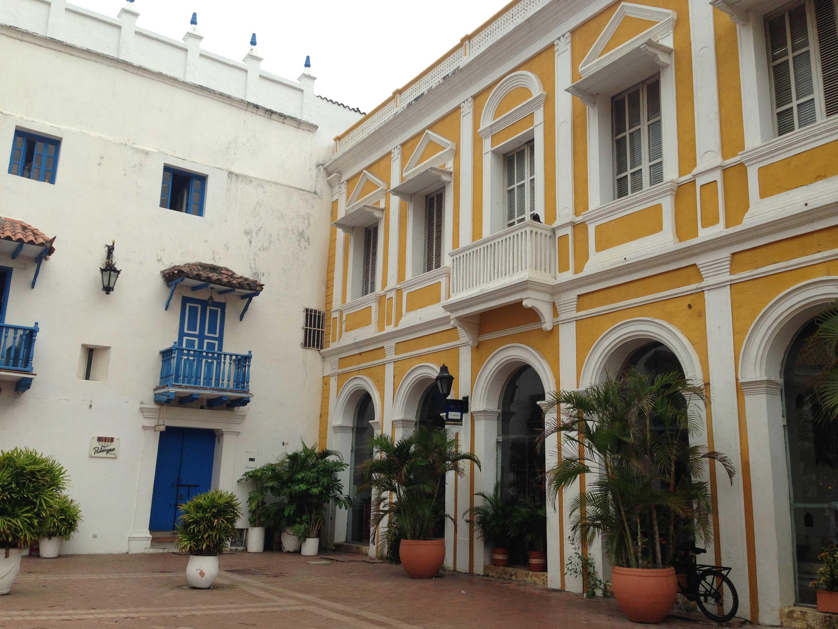 Arquitetura colonial pode ser vista em toda a cidade
