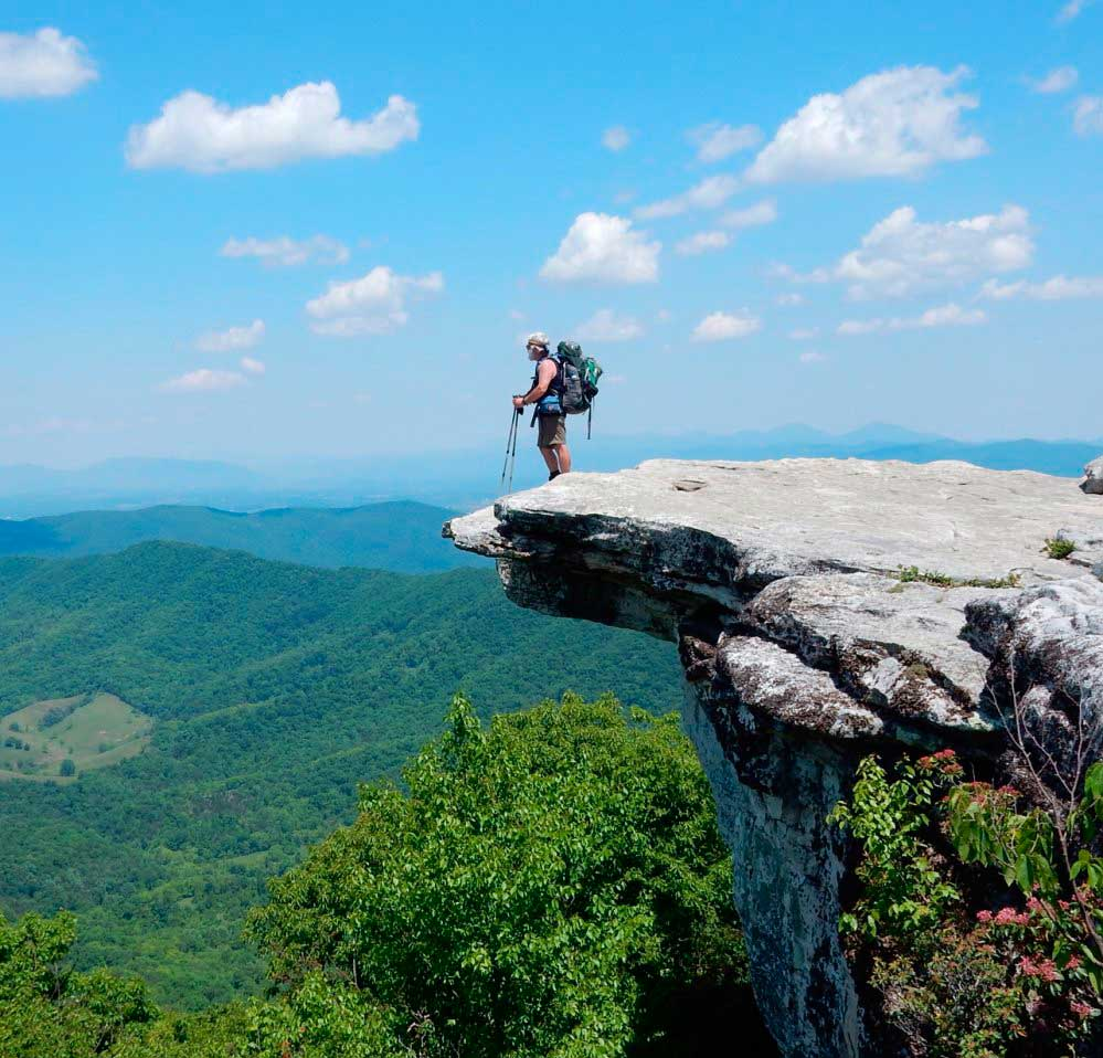 McAfee Knob/ Crédito foto: http://www.pressherald.com/2015/07/19/hiking-the-appalachian-trail-meet-on-the-ledges/