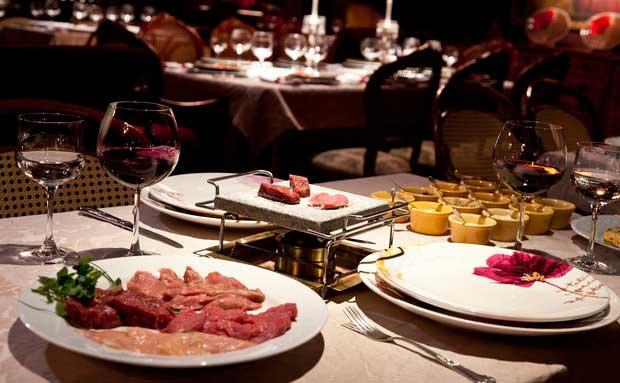 Crédito foto: http://viajeaqui.abril.com.br/estabelecimentos/br-rs-gramado-restaurante-belle-du-valais