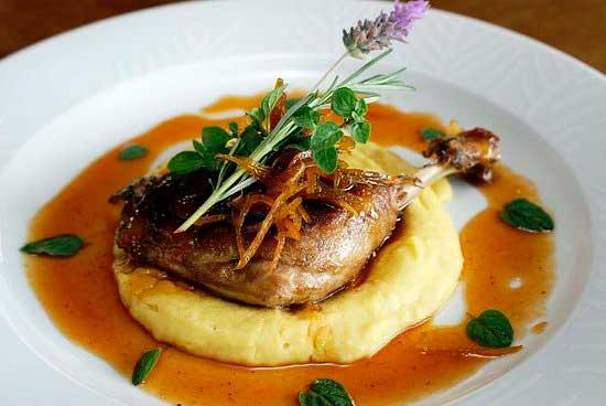 Crédito foto: https://www.tripadvisor.com.br/Restaurants-g303536-zfp3-Gramado_State_of_Rio_Grande_do_Sul.html