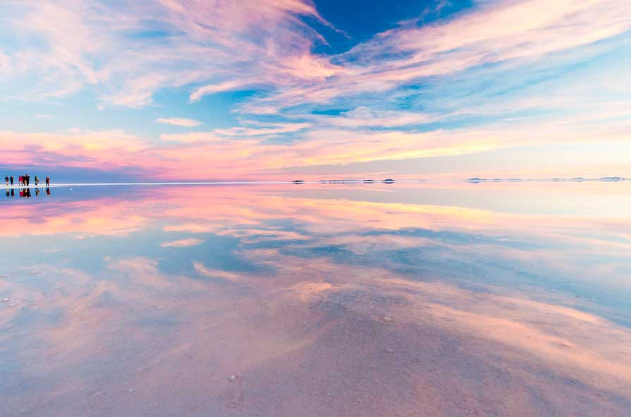 Crédito foto: http://www.boomsbeat.com/articles/113/20140117/47-amazing-photos-salar-de-uyuni-world-s-largest-mirrors.htm