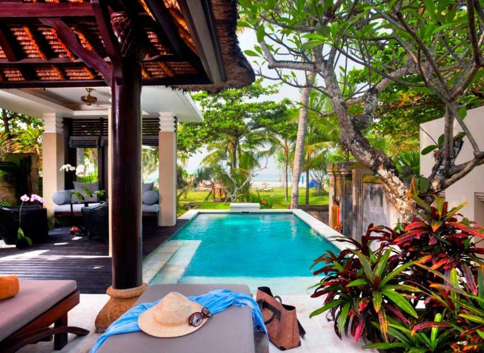 Crédito foto: https://www.jetsetter.com/magazine/560/romantic-hotels-under-200?utm_medium=email&utm_campaign=daily&utm_term=20160904_v_SUNJ_np&utm_source=jetsetter&nl_id=30202536&DG=e8a41df7-5023-980a-0a1f-52a5a40821d7#the-royal-beach-seminyak-indonesia