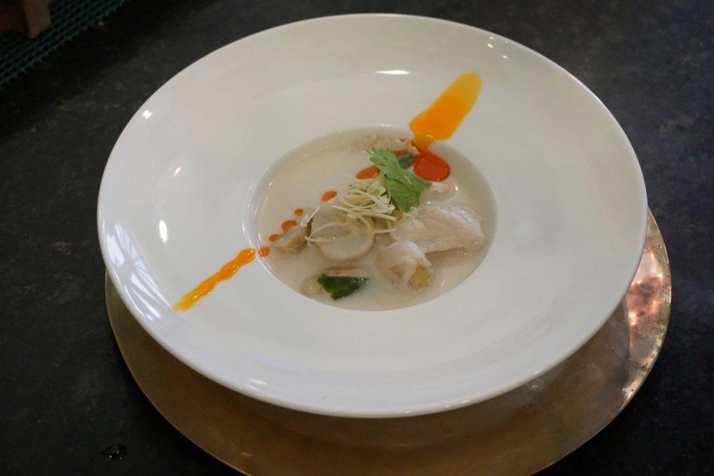 sopa-frango-ao-coco