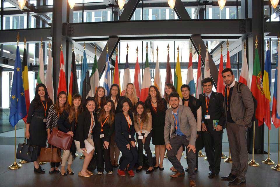 Tribunal de Justiça da União Europeia em Luxemburgo, em tour acadêmico promovido pela Mission Abroad