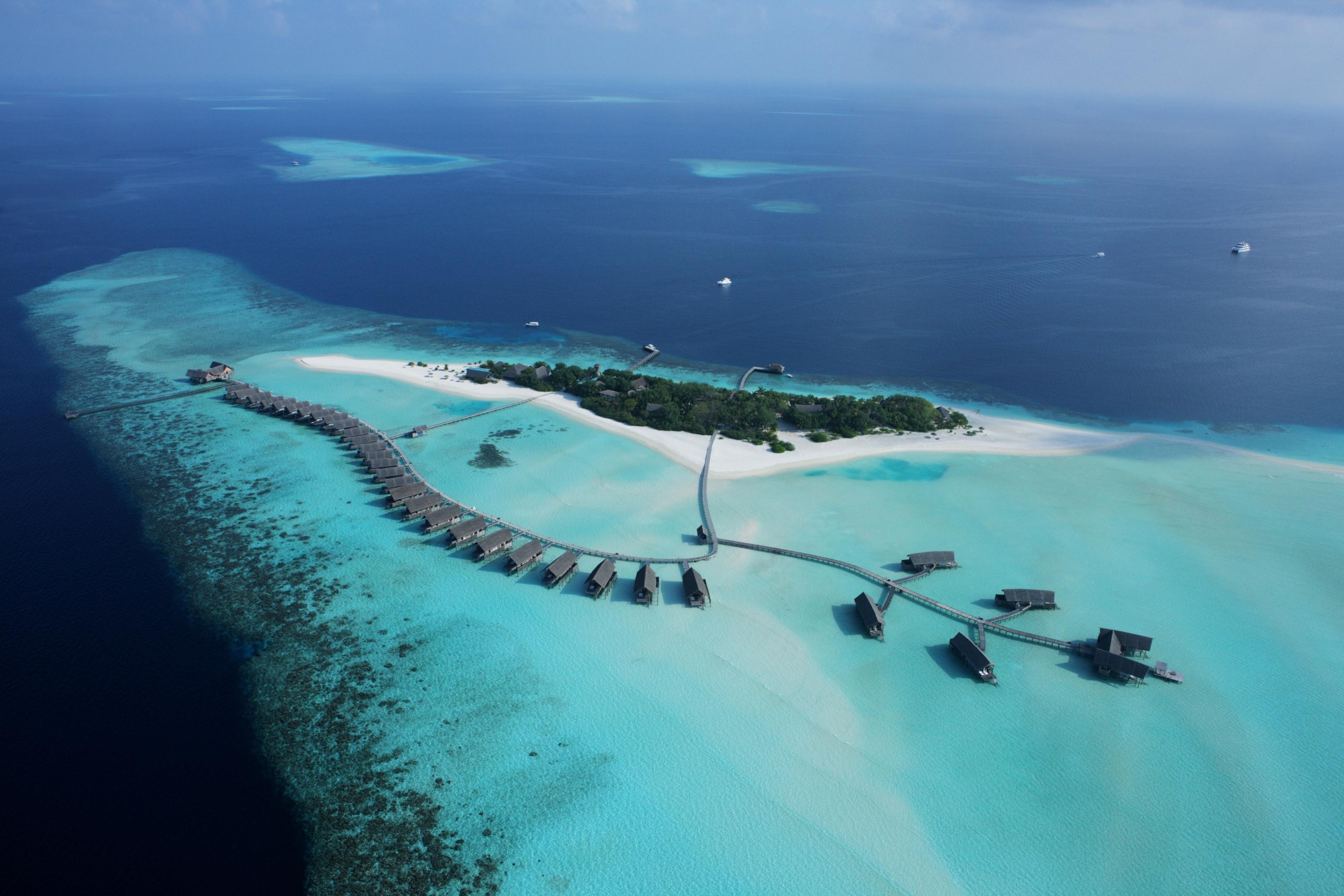 maldives-cocoa-island-ariel-view1
